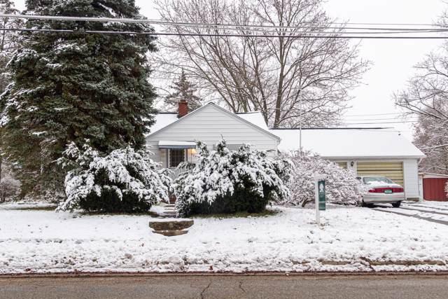 922 S Cedar Street, Greenville, MI 48838 (MLS #19056906) :: Deb Stevenson Group - Greenridge Realty