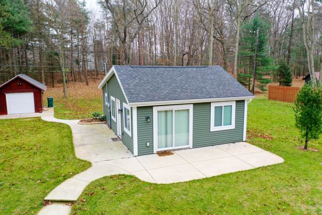 9140 Lakeshore Drive, West Olive, MI 49460 (MLS #19057548) :: Matt Mulder Home Selling Team