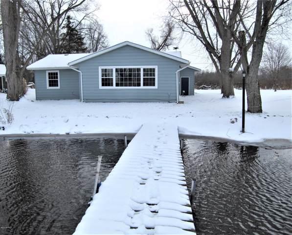 7101 S Pickerel Lake Drive, Scotts, MI 49088 (MLS #19057761) :: CENTURY 21 C. Howard