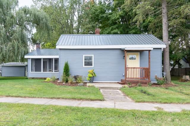 510 Cedar Street Street, Paw Paw, MI 49079 (MLS #19058048) :: CENTURY 21 C. Howard