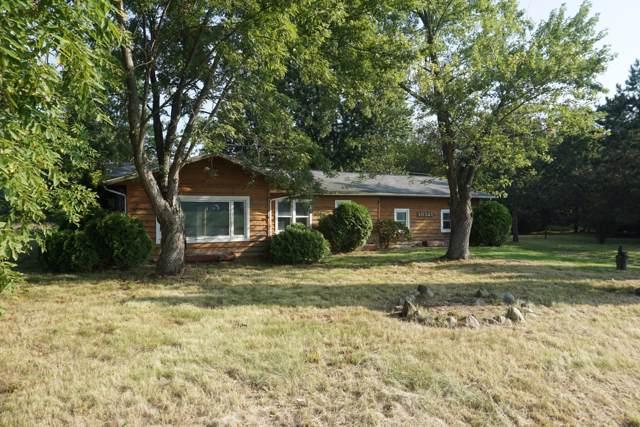 10321 E W Avenue, Vicksburg, MI 49097 (MLS #19058137) :: Matt Mulder Home Selling Team