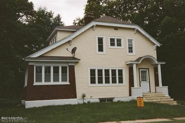 304 Russell St. Street, Middleville, MI 49333 (MLS #20000042) :: Deb Stevenson Group - Greenridge Realty