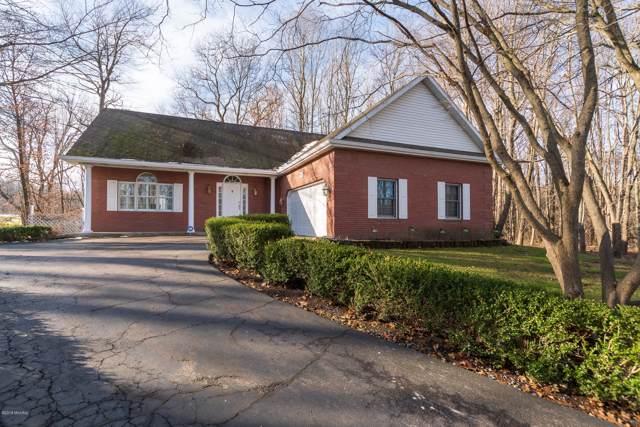 205 Golfview Drive, Plainwell, MI 49080 (MLS #20000147) :: Matt Mulder Home Selling Team