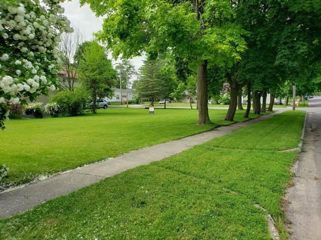 311 S Webster Street, Greenville, MI 48838 (MLS #20000592) :: Deb Stevenson Group - Greenridge Realty