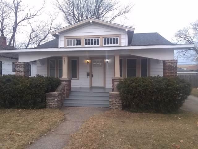 846 Lavette Avenue, Benton Harbor, MI 49022 (MLS #20001069) :: CENTURY 21 C. Howard