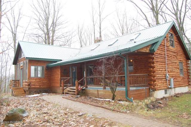 7760 S River Ridge Road, Newaygo, MI 49337 (MLS #20001358) :: Deb Stevenson Group - Greenridge Realty