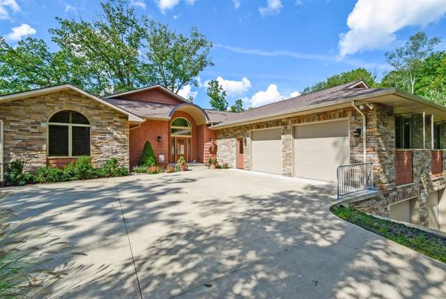 2331 Cascade Springs Drive SE, Grand Rapids, MI 49546 (MLS #20001859) :: JH Realty Partners