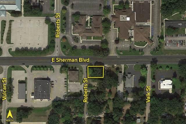 2616 Roberts Street, Muskegon, MI 49444 (MLS #20001971) :: CENTURY 21 C. Howard