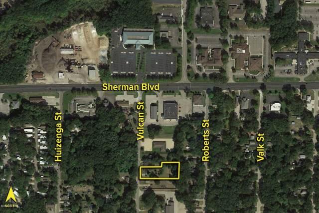 2704 Vulcan Street, Muskegon, MI 49444 (MLS #20002236) :: CENTURY 21 C. Howard