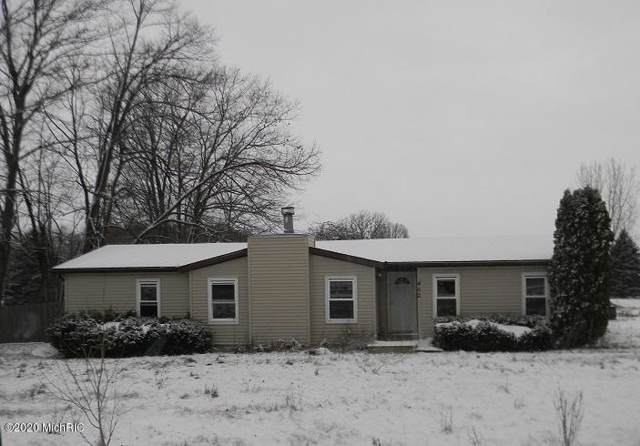 462 W River Road, Mount Pleasant, MI 48858 (MLS #20002570) :: Deb Stevenson Group - Greenridge Realty