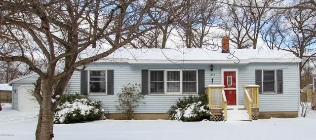 1644 Oak Park Drive, Muskegon, MI 49442 (MLS #20002926) :: Keller Williams RiverTown
