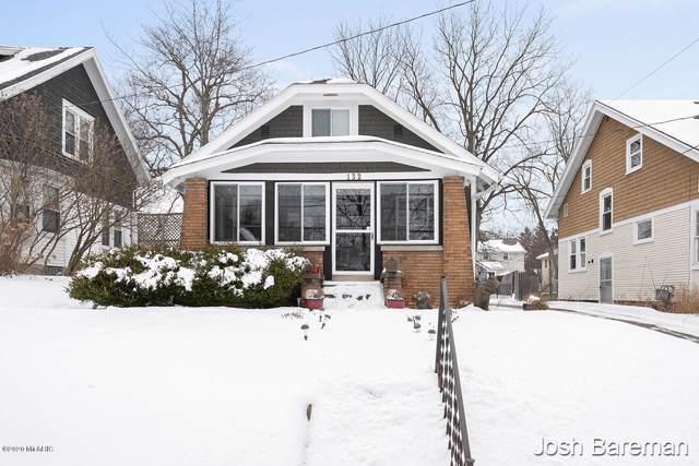 132 Lowell Avenue NE, Grand Rapids, MI 49503 (MLS #20002933) :: Keller Williams RiverTown