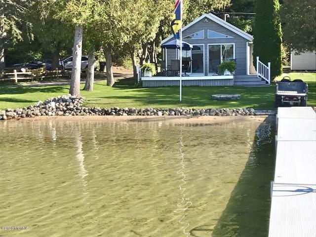 8859 Lake Street, Newaygo, MI 49337 (MLS #20003611) :: CENTURY 21 C. Howard