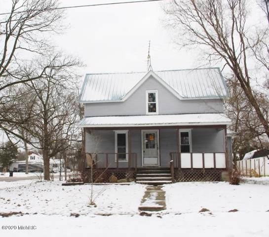 404 S Division Avenue, Fremont, MI 49412 (MLS #20004089) :: Deb Stevenson Group - Greenridge Realty