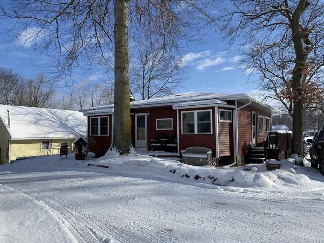 10529 Pine Beach Drive, Plainwell, MI 49080 (MLS #20004700) :: Matt Mulder Home Selling Team