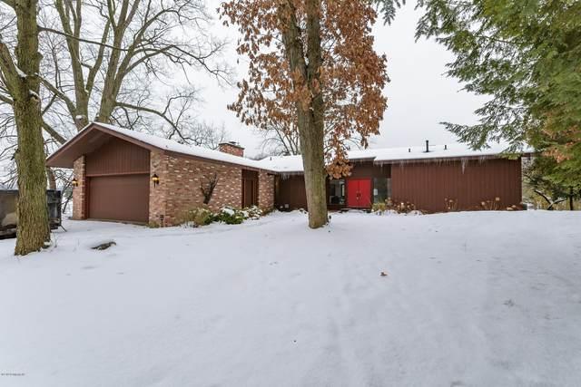 333 Midlakes Boulevard, Plainwell, MI 49080 (MLS #20005062) :: Matt Mulder Home Selling Team