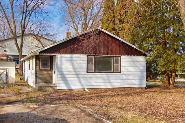 1558 Reeder Avenue, Benton Harbor, MI 49022 (MLS #20005222) :: Deb Stevenson Group - Greenridge Realty