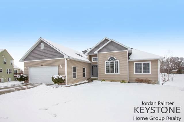 841 Scott View Drive NE, Comstock Park, MI 49321 (MLS #20005232) :: Matt Mulder Home Selling Team