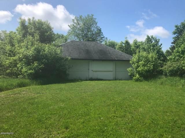 W Church Street, Reed City, MI 49677 (MLS #20005337) :: Deb Stevenson Group - Greenridge Realty