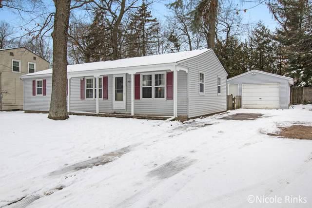 4667 Westnedge Avenue NW, Comstock Park, MI 49321 (MLS #20005430) :: Matt Mulder Home Selling Team