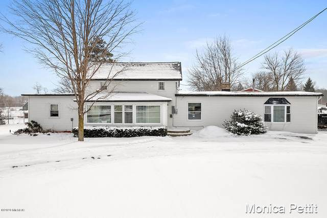 115 1st Street, Trufant, MI 49347 (MLS #20005709) :: Deb Stevenson Group - Greenridge Realty