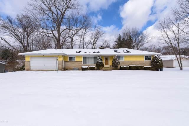 217 Chapel Hill Drive, Battle Creek, MI 49015 (MLS #20005733) :: Matt Mulder Home Selling Team