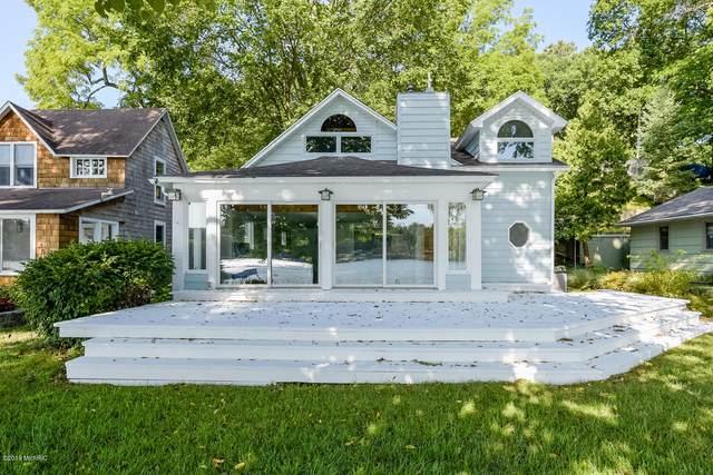 307 S Gull Lake Drive, Richland, MI 49083 (MLS #20005761) :: Matt Mulder Home Selling Team