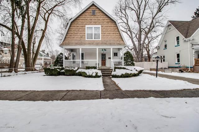 15 Elizabeth Street, Battle Creek, MI 49017 (MLS #20005847) :: Matt Mulder Home Selling Team