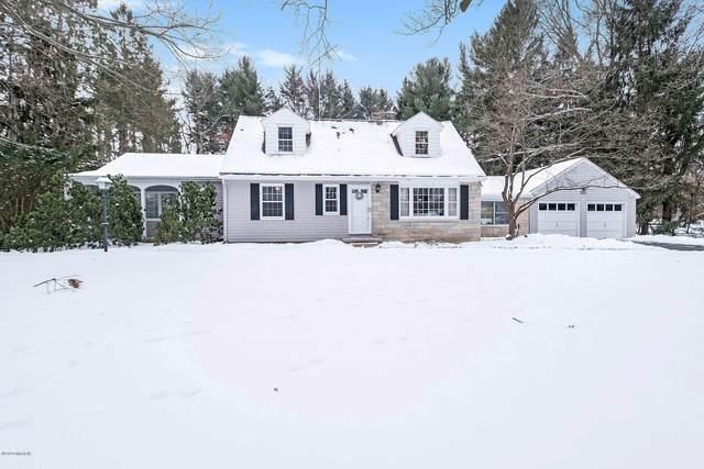 164 E Hamilton Lane, Battle Creek, MI 49015 (MLS #20005849) :: Matt Mulder Home Selling Team