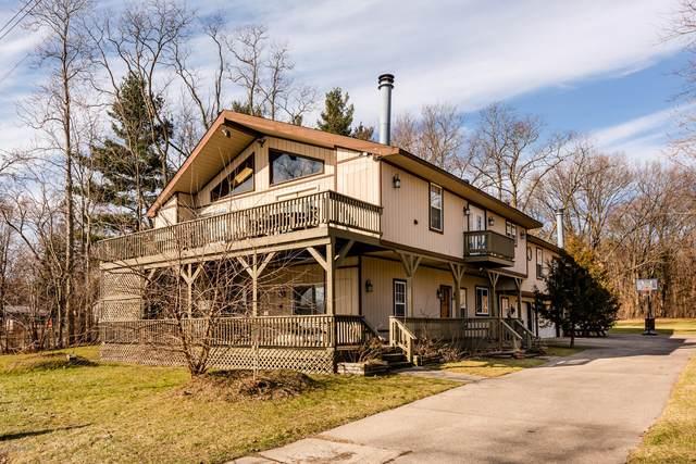 68600 M-152, Benton Harbor, MI 49022 (MLS #20005935) :: Matt Mulder Home Selling Team