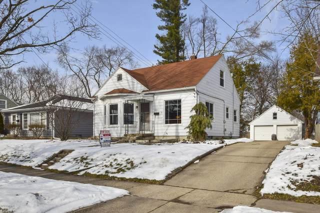 929 Coldbrook Street NE, Grand Rapids, MI 49503 (MLS #20006101) :: CENTURY 21 C. Howard