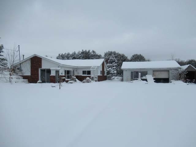 4302 20 Mile Road, Barryton, MI 49305 (MLS #20006121) :: Deb Stevenson Group - Greenridge Realty