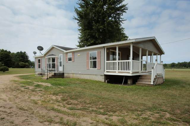 87 26th Street, Allegan, MI 49010 (MLS #20006399) :: Deb Stevenson Group - Greenridge Realty