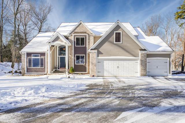 4377 Winterwood Shores, Whitehall, MI 49461 (MLS #20007342) :: JH Realty Partners