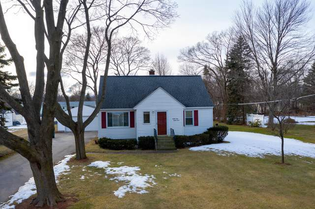 3133 Mccracken Street, Norton Shores, MI 49441 (MLS #20007374) :: JH Realty Partners