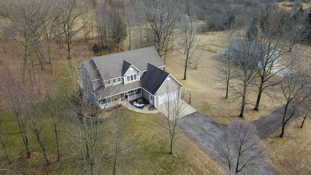 615 Pine Hills Lane, Benton Harbor, MI 49022 (MLS #20008142) :: Deb Stevenson Group - Greenridge Realty