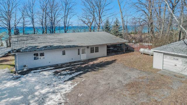 3189 S Lakeshore Drive, Ludington, MI 49431 (MLS #20009143) :: Deb Stevenson Group - Greenridge Realty