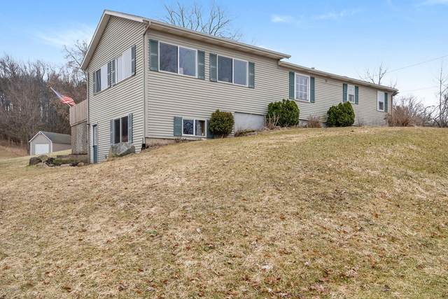 4441 9th Street, Wayland, MI 49348 (MLS #20010109) :: JH Realty Partners
