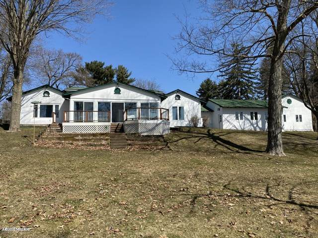 4024 E Gull Lake Drive, Hickory Corners, MI 49060 (MLS #20010435) :: CENTURY 21 C. Howard