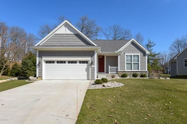 8017 Grand Colony Drive, Kalamazoo, MI 49009 (MLS #20010436) :: Matt Mulder Home Selling Team