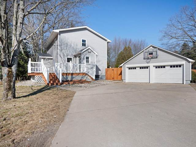 6812 W Decker Road, Ludington, MI 49431 (MLS #20010470) :: Deb Stevenson Group - Greenridge Realty