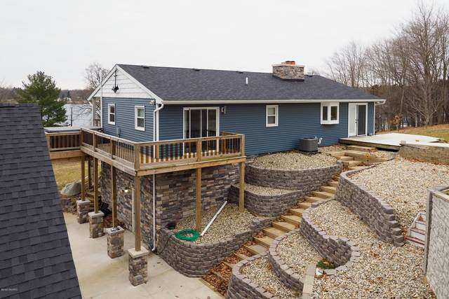 12315 N Sherman Lake Drive, Augusta, MI 49012 (MLS #20010555) :: Matt Mulder Home Selling Team