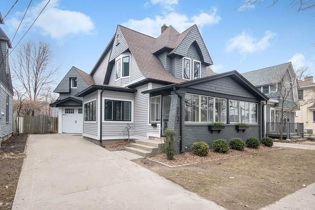 2137 Lake Drive SE, East Grand Rapids, MI 49506 (MLS #20010991) :: JH Realty Partners