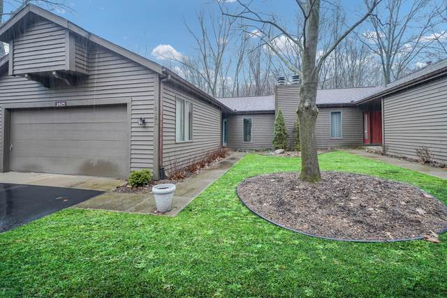 2425 Highpointe Drive, Kalamazoo, MI 49008 (MLS #20011076) :: Jennifer Lane-Alwan