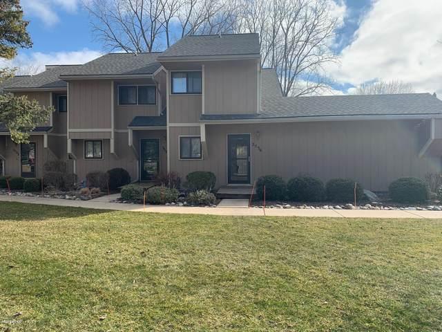 2576 Ridgecroft Drive SE Apt 4, Grand Rapids, MI 49546 (MLS #20011078) :: JH Realty Partners
