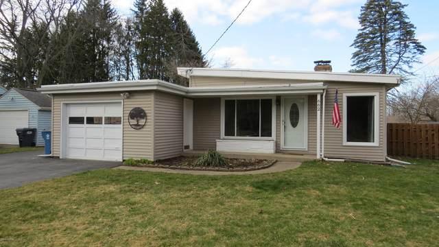 662 Melrose Street, Plainwell, MI 49080 (MLS #20011103) :: Matt Mulder Home Selling Team