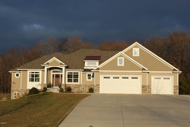 9644 Meadow Valley SE, Caledonia, MI 49316 (MLS #20011354) :: Keller Williams RiverTown
