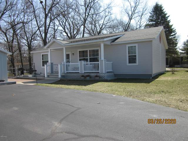 52487 S South Point Drive, Mattawan, MI 49071 (MLS #20011643) :: Matt Mulder Home Selling Team