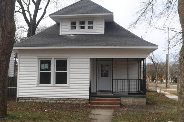 1937 Paris Avenue SE, Grand Rapids, MI 49507 (MLS #20011712) :: JH Realty Partners