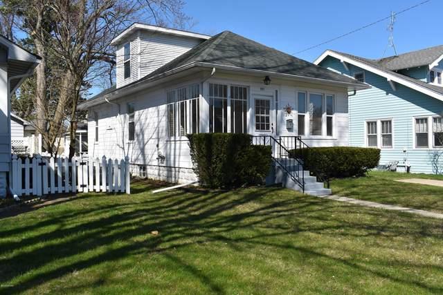 531 La Salle Avenue, St. Joseph, MI 49085 (MLS #20012269) :: JH Realty Partners